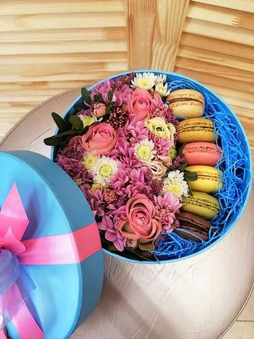 Цветы и macaron ( 5 шт.) #1781