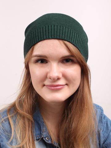 Темно-зеленая демисезонная шапочка