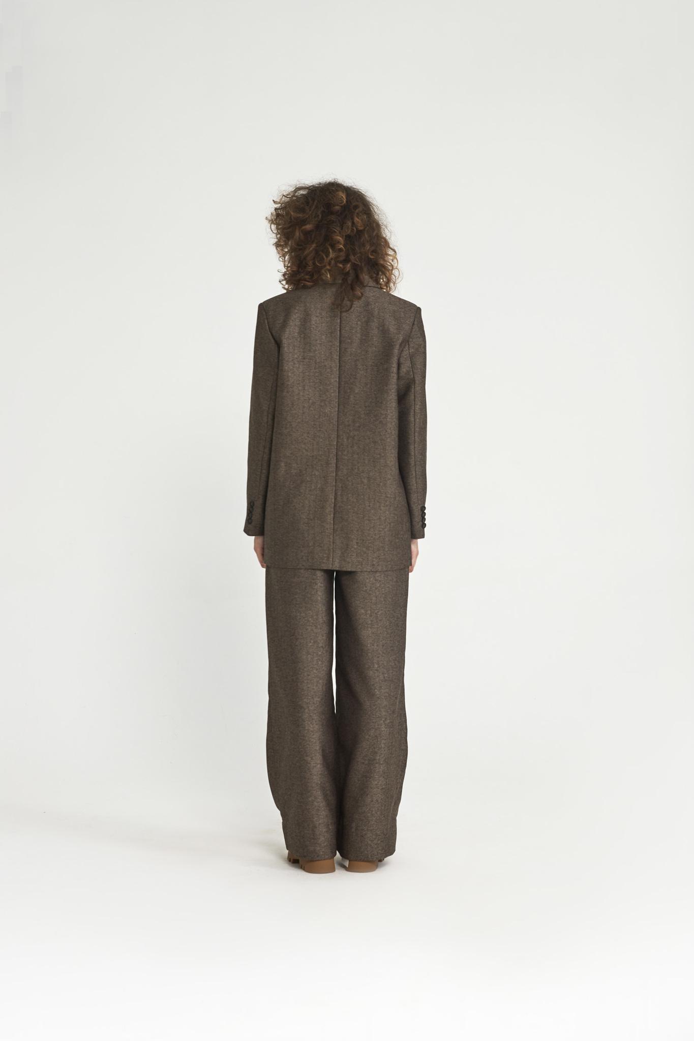 Жакет с большим плечом (костюмный твил), елочка кофе