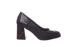 Черные лаковые туфли с оригинальным каблуком