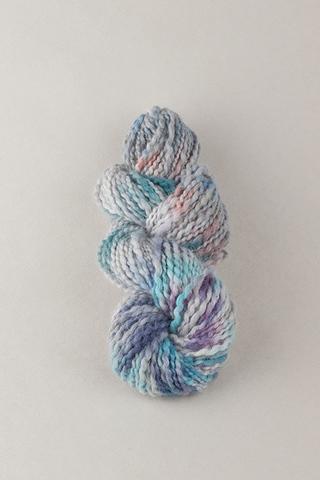 Пряжа ручного прядения и крашения, цвет лиловая, фиолетовая меланж