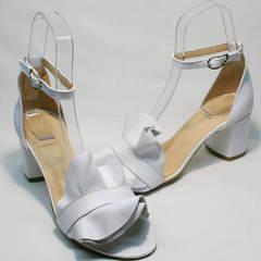 Женские кожаные босоножки на широком каблуке Ari Andano K-0100 White.