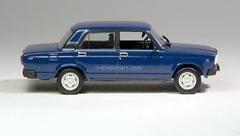 VAZ-2107 Lada dark blue 1:43 DeAgostini Auto Legends USSR #31