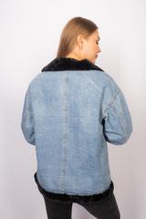 Джинсовая куртка с мехом черного цвета оптом