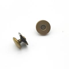 Кнопка магнитная,  d  верха- 12 мм., под антик