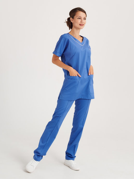 Темно-голубой костюм медицинский