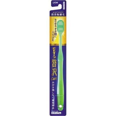 Зубная щетка с увеличенной чистящей поверхностью