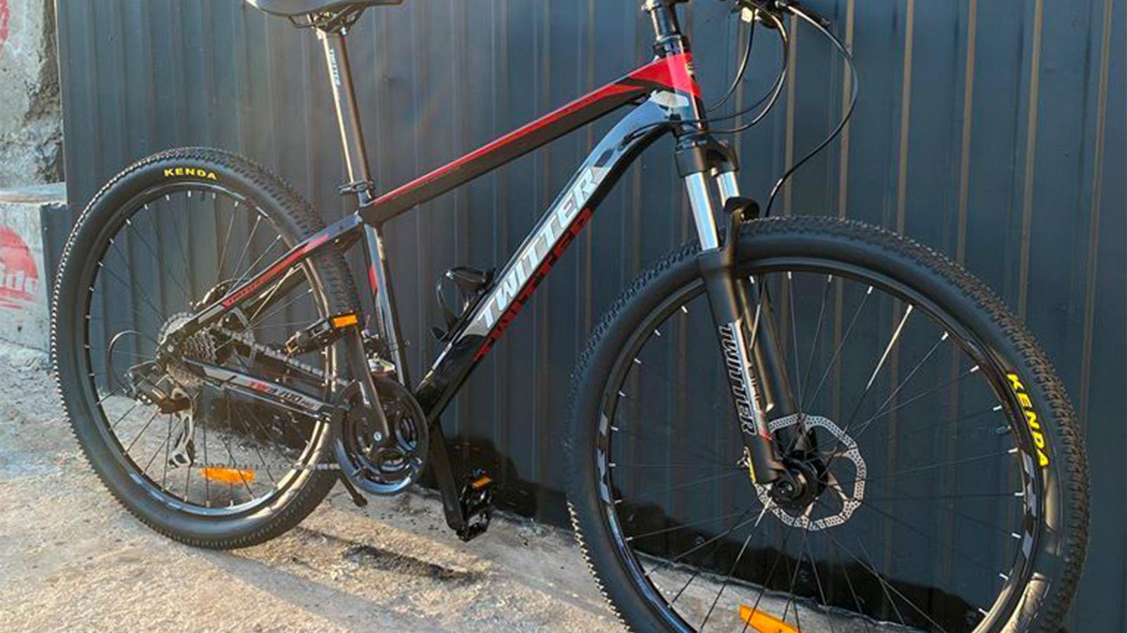 горный велосипед, вид спереди