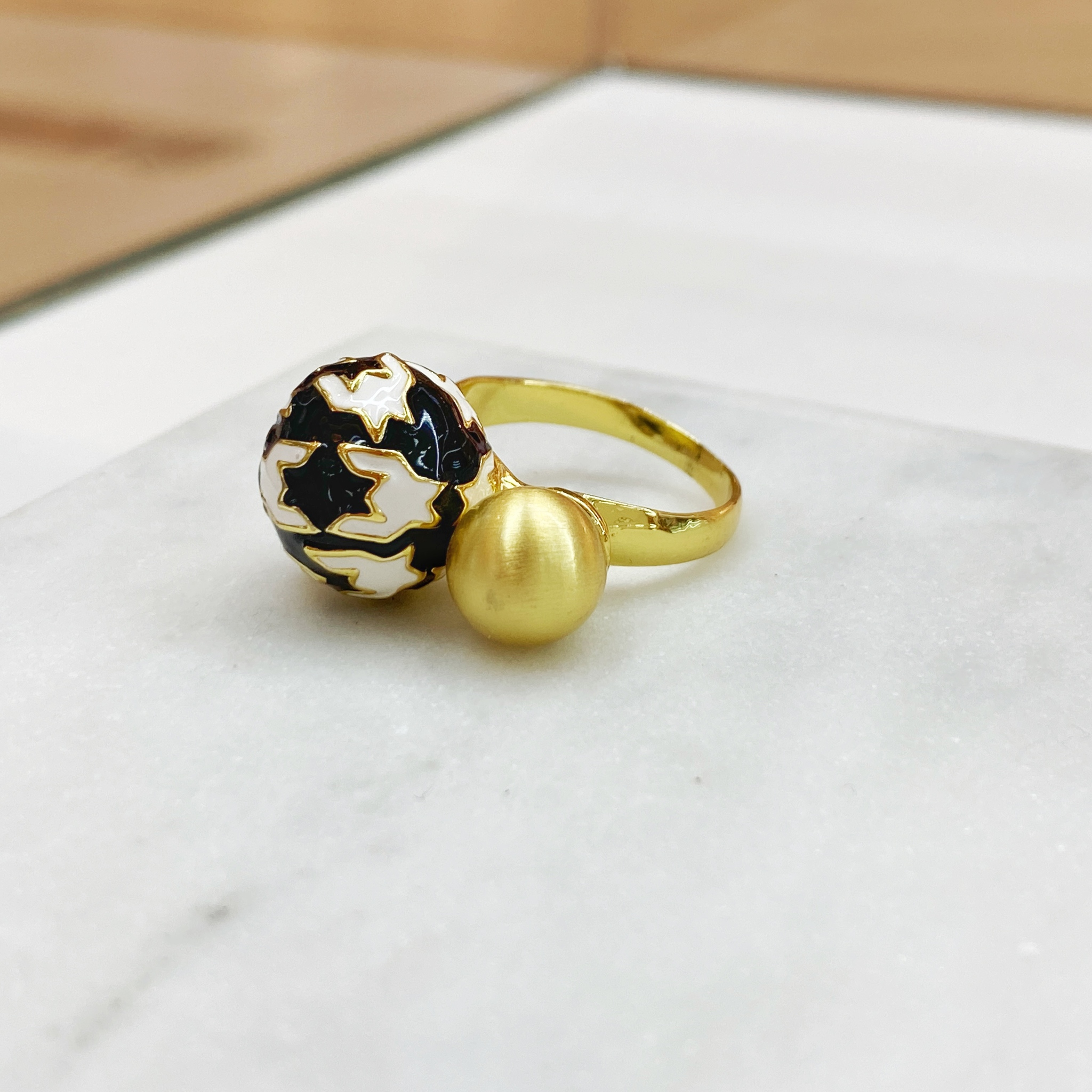 Кольцо Vi Пье-де-Пуль эмаль