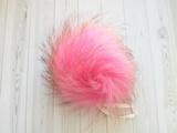 Помпон енот натуральный розовый 17-19 см