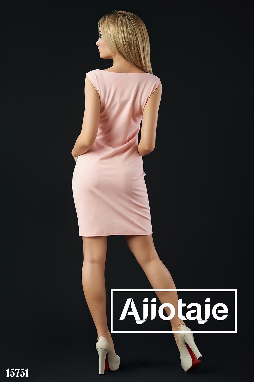 Трехцветное платье миди облегающего силуэта