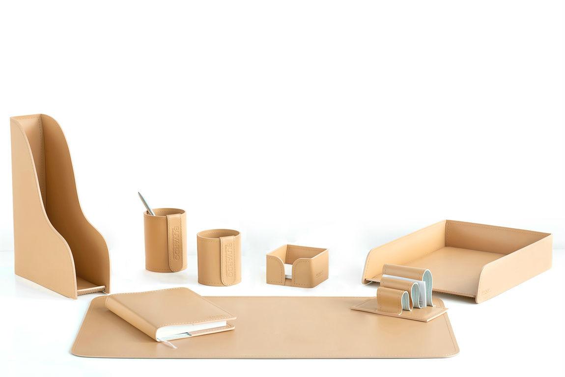 Настольный офисный набор  кожаный бежевый с ежедневником