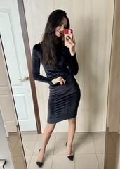 Саті. Облягаюча вишукана велюрова сукня. Чорний