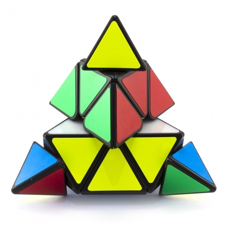 Пирамидrа QiYi 3*3*3