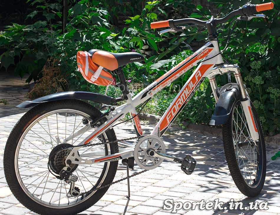 Сумка велосипедна під сідло Roswheel (13660-H) на велосипеді