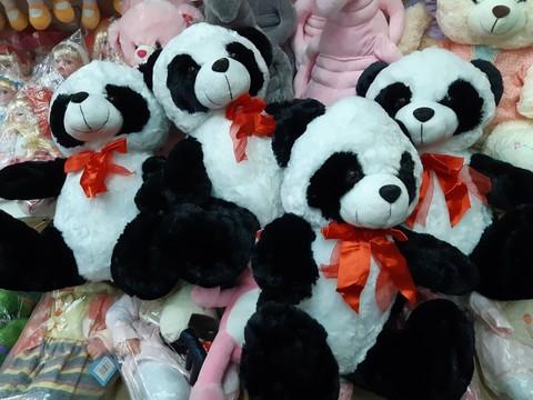 Мягкая панда с красным бантиком