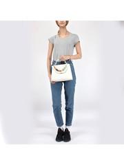 Белая сумка классической формы