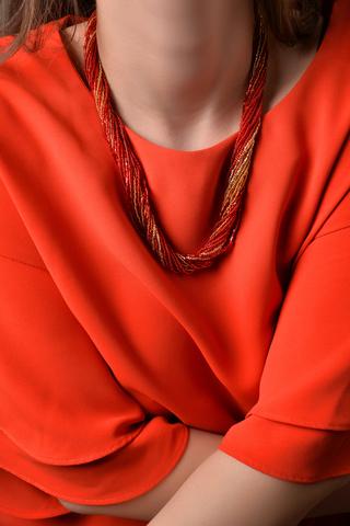 Бисерное ожерелье 24 нити золотисто-красное