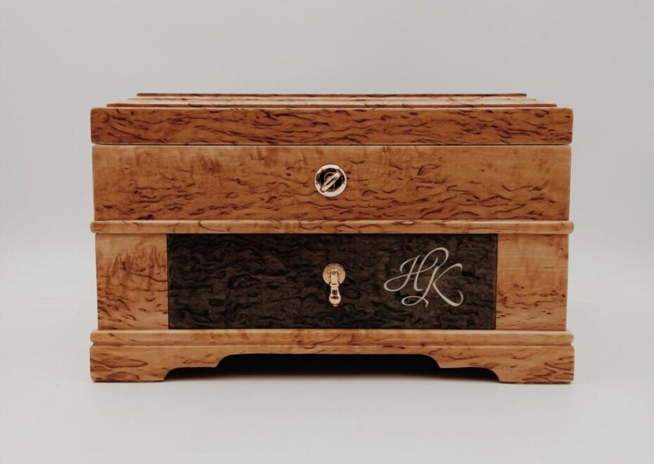 Эксклюзивная шкатулка для часов и украшений