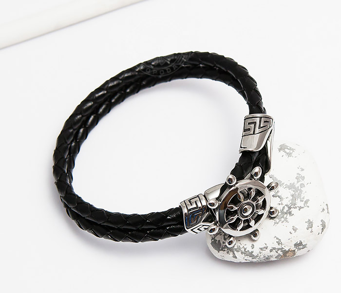 BM464 Мужской браслет из кожаного шнура со стальным штурвалом (20 см) фото 04