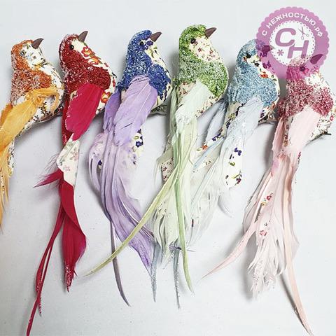 Птичка разноцветная с блестками и цветочным декором, на зажиме, 19 см, 1 шт.