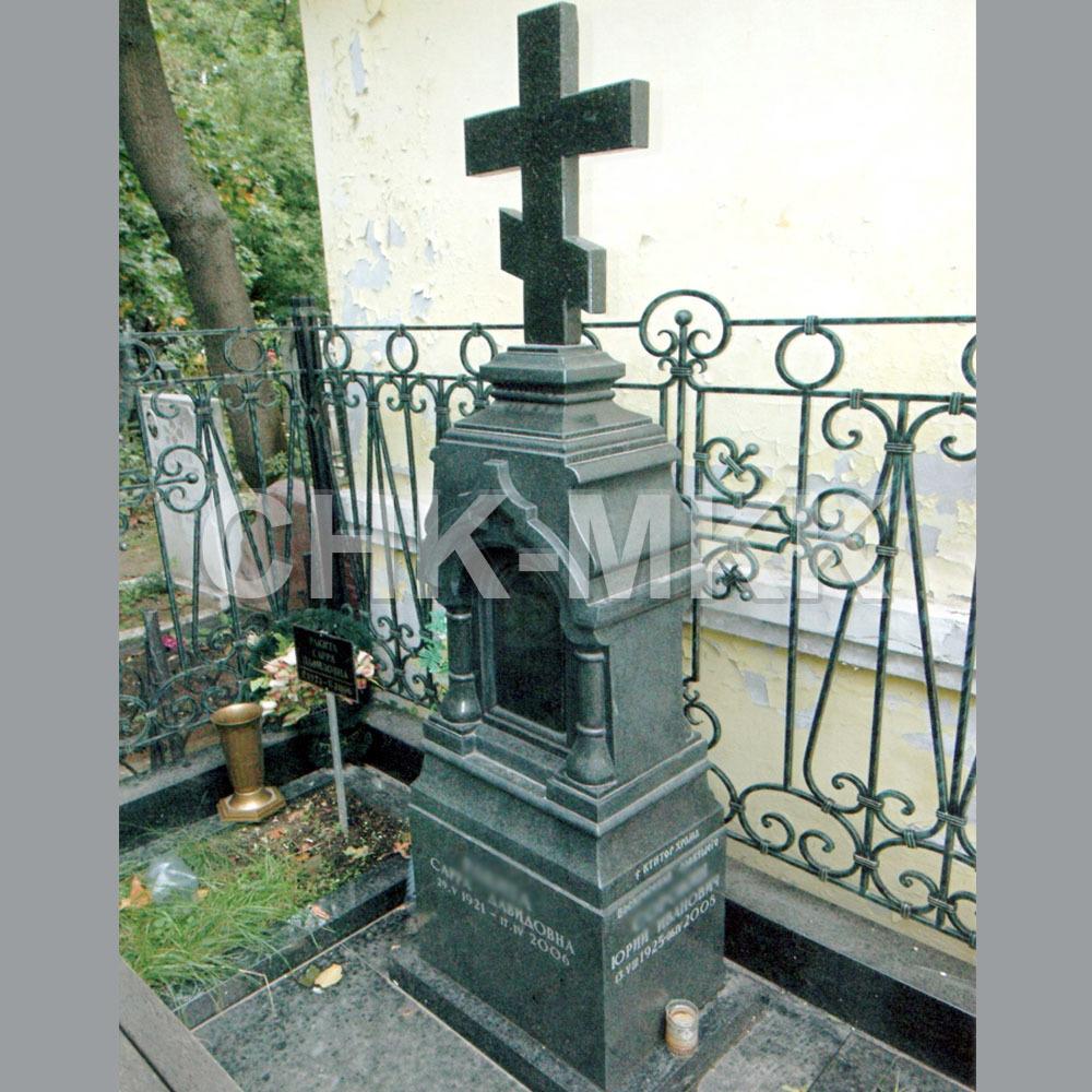 Гранитный крест №7