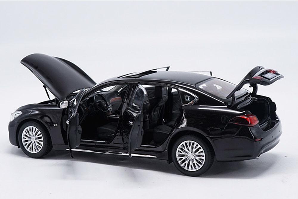 Коллекционная модель INFINITI Q70L 2019 BLACK