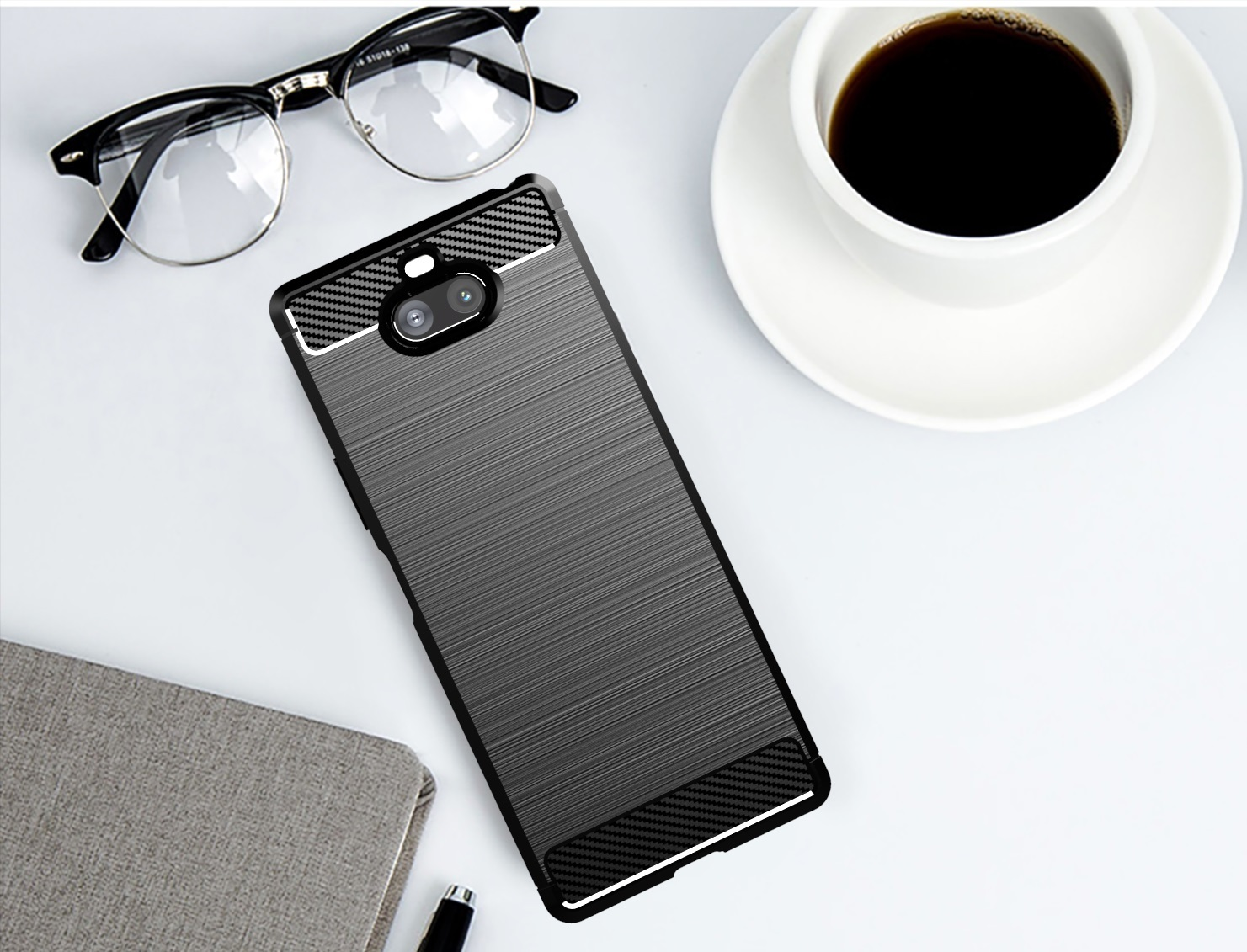 Чехол на Sony Xperia 8 цвет Black (черный), серия Carbon от Caseport