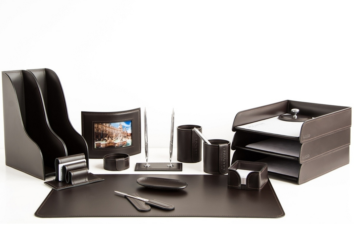Набор на стол руководителя 1452-СТ кожа Cuoietto на фото цвет темно-коричневый шоколад 16 предметов.