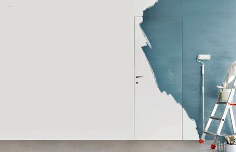 Фото двери OUT в интерьере