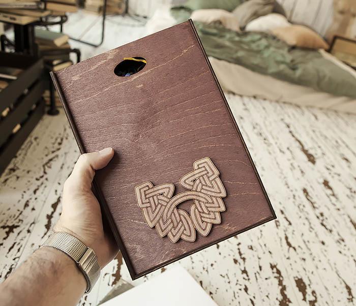 BOX230-3 Большая фиолетовая коробка для упаковки подарков (18*26*7,5 см)