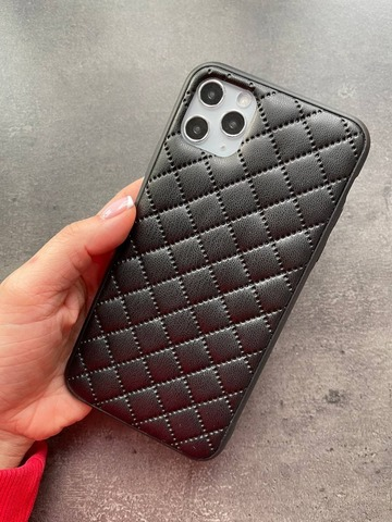 Чехол iPhone XR Quilted Leather case /black/