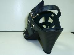 Модные босоножки на каблуке Marco tozzi 2-28327