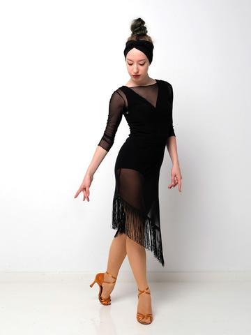 Платье из сетки с бахромой