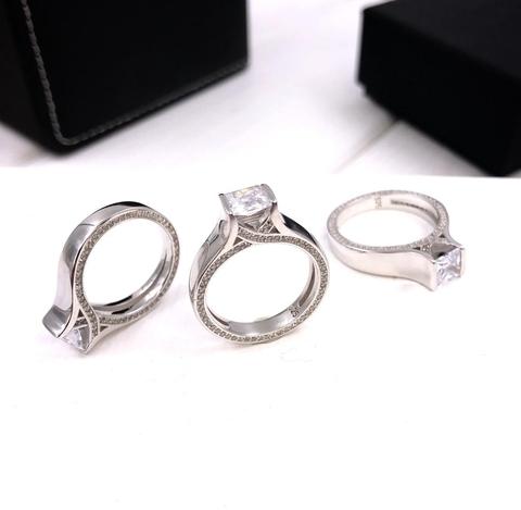 49523- Помолвочное кольцо из серебра со цирконами