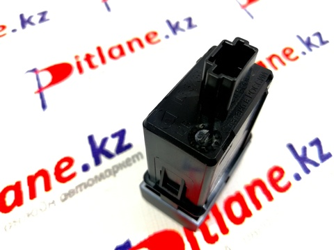 Розетка USB (для задних пассажиров, в подлокотнике) Лада Веста, XRAY