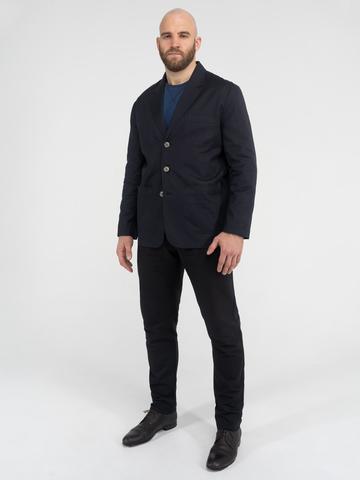 Мужской костюм чёрного цвета
