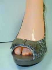 Женские босоножки туфли на высоком каблуке. Кожаные босоножки с открытой пяткой и носком VIA UNO - Gray Snake.