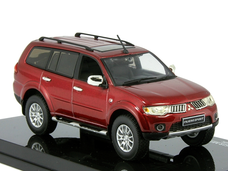 Коллекционная модель Mitsubishi Pajero Sport