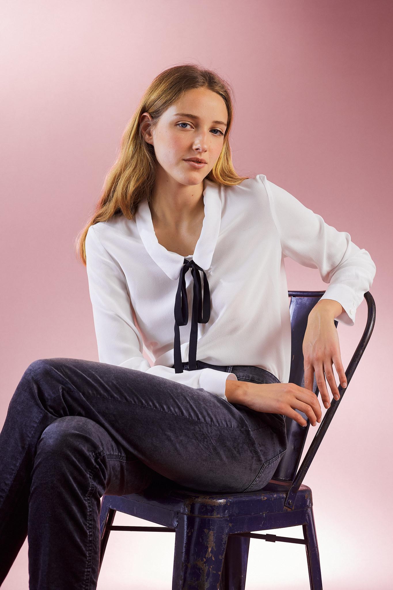 Шелковая рубашка с контрастными завязками