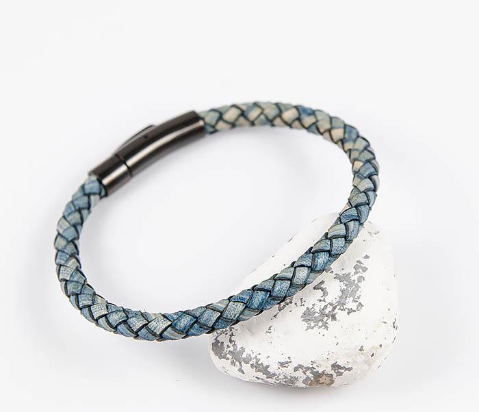 BM517-4 Браслет шнур из натуральной кожи голубого цвета