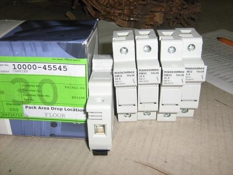 Держатель предохранителей SOMOKEC RM32 / CARRIER-FUSE 32A (10x38 FUSES) АРТ: 10000-45545