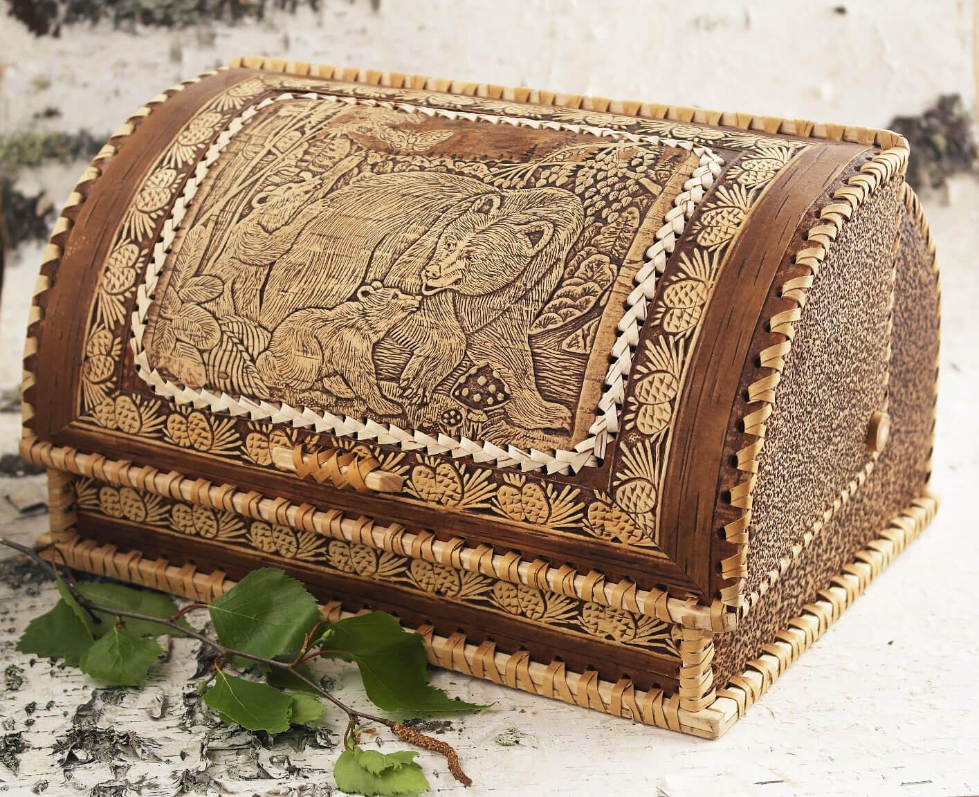 Хлебница на бересте с веткой берёзы
