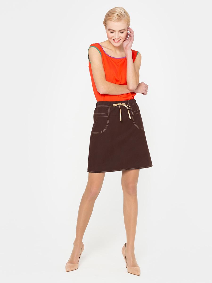 Юбка Б020-130 - Мини-юбка однотонного благородного коричневого цвета в форме трапеции подойдет любой женщине независимо от возраста и роста. Нейтральный простой коричневый тон – основа базового гардероба.А-силуэт модели зрительно удлиняет ноги и подчеркивает талию её обладательнице.  Привлекают внимание и украшают модель отделочная декоративная строчка и карманы.  Плотная ткань обеспечивает безупречную сохранность формы.