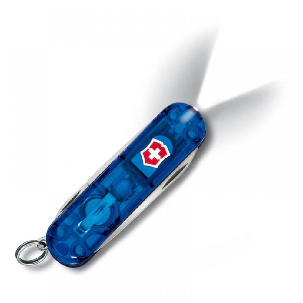 Нож-брелок Victorinox SwissLite Sapphire (0.6228.T2) с фонариком, 8 функций, 58 мм. в сложенном виде | синий полупрозрачный