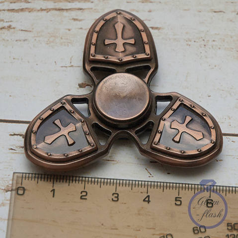Спиннер из металла с символикой ордена тамплиеров трех лучевой цвет бронза 17004M