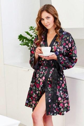 Женский халат с цветочным рисунком черный