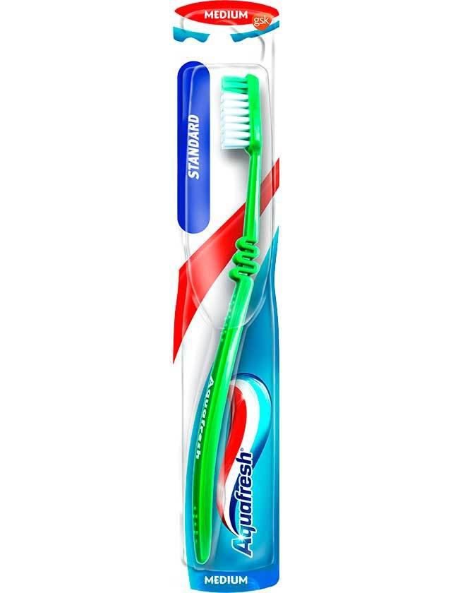 Зубная щетка AquaFresh Standard