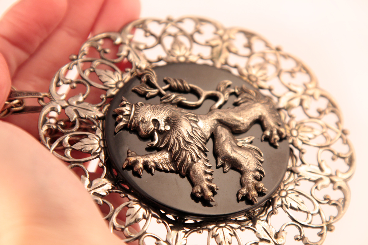 Miriam Haskell's magnificent Lion necklace