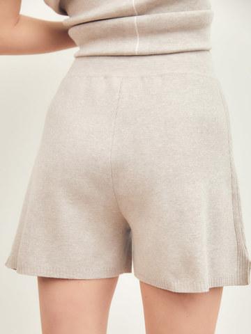Женские шорты светло-кофейного цвета из вискозы - фото 3